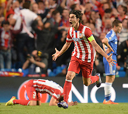 30.04.2014, Stamford Bridge, London, ENG, UEFA CL, FC Chelsea vs Atletico Madrid, Halbfinale, Rueckspiel, im Bild Athletico Madrid's midfielder Tiago cerebrates the first Atletico goal // Athletico Madrid's midfielder Tiago cerebrates the first Atletico goal during the UEFA Champions League Round of 4, 2nd Leg Match between Chelsea FC and Club Atletico de Madrid at the Stamford Bridge in London, Great Britain on 2014/05/01. EXPA Pictures &copy; 2014, PhotoCredit: EXPA/ Mitchell Gunn<br /> <br /> *****ATTENTION - OUT of GBR*****