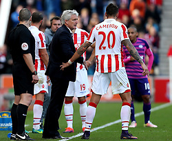 Stoke City manager Mark Hughes talks to Geoff Cameron of Stoke City - Mandatory by-line: Robbie Stephenson/JMP - 15/10/2016 - FOOTBALL - Bet365 Stadium - Stoke-on-Trent, England - Stoke City v Sunderland - Premier League