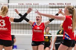 17-03-2018 NED: Prima Donna Kaas Huizen - VC Sneek, Huizen<br /> PDK verliest kansloos met 3-0 van Sneek / Sjanet Wijnia #5