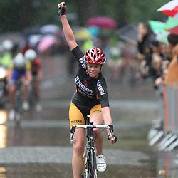 Melisse Steenhof (Ureterp) wint het Nederlands kampioenschap op de wieg voor Nieuweling meisjes  in Dalen