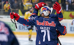 12.04.2019, Albert Schultz Halle, Wien, AUT, EBEL, Vienna Capitals vs EC Red Bull Salzburg, Halbfinale, 7. Spiel, im Bild Torjubel Spieler des EC Red Bull Salzburg nach dem 1:0 durch Dustin Gazley (EC Red Bull Salzburg) // during the Erste Bank Icehockey 7th semifinal match between Vienna Capitals and EC Red Bull Salzburg at the Albert Schultz Halle in Wien, Austria on 2019/04/12. EXPA Pictures © 2019, PhotoCredit: EXPA/ Alexander Forst