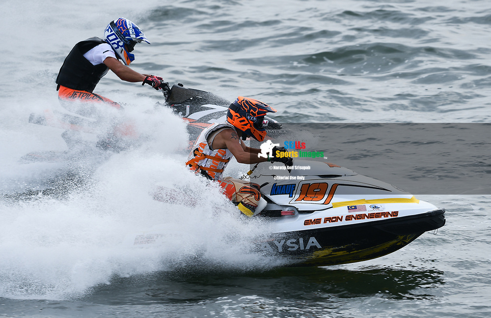 PATTAYA, THAILAND - DECEMBER 09: Tee Chen Jet (19) of Malaysia and EME Jet Ski Racing Team and Hiroshi Harada (J71) of Japan and RSC Meien in action during the Pro Sport GP Moto4 at the Thai Airways International Jet Ski World Cup 2018, Jomtien Beach, Pattaya, Thailand on December 09, 2018. <br /> .<br /> .<br /> .<br /> (Photo by: Naratip Golf Srisupab/SEALs Sports Images)<br /> .<br /> Any image use must include a mandatory credit line adjacent to the content which should read: Naratip Golf Srisupab/SEALs Sports Images