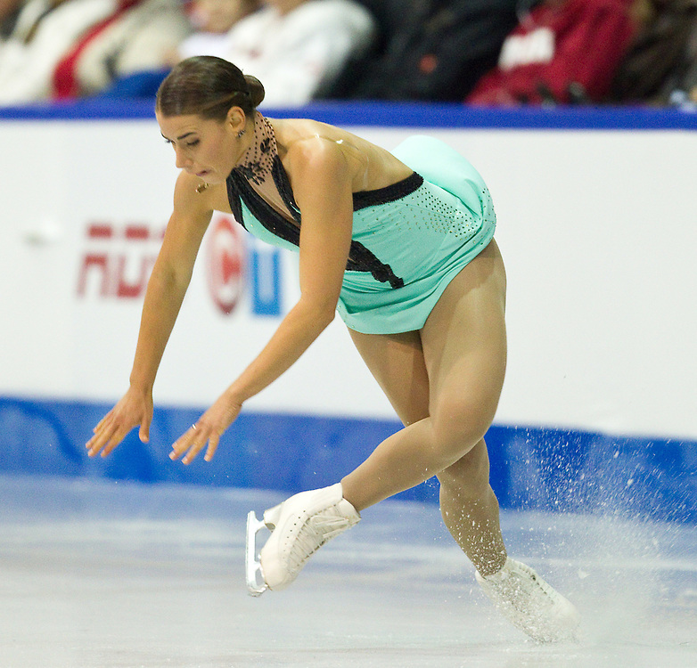 GJR381 -20111029- Mississauga, Ontario,Canada-  Cynthia Phaneuf of Canada falls during her free skate at Skate Canada International, in Mississauga, Ontario, October 29, 2011.<br /> AFP PHOTO/Geoff Robins