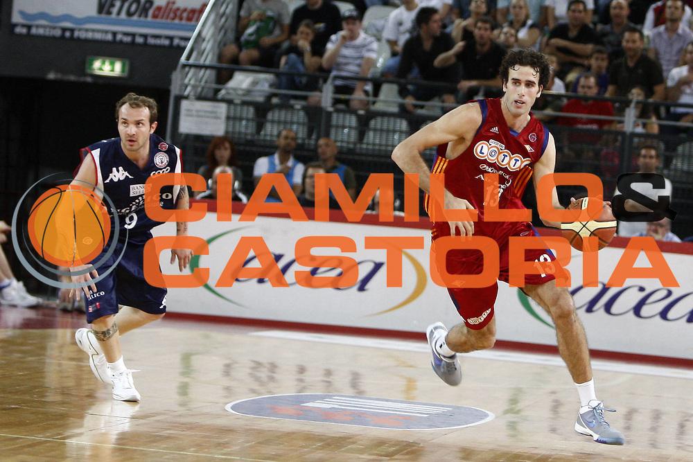 DESCRIZIONE : Roma Lega A 2008-09 Playoff Quarti di finale Gara 3 Lottomatica Virtus Roma Angelico Biella<br /> GIOCATORE : Luigi Datome<br /> SQUADRA : Lottomatica Virtus Roma<br /> EVENTO : Campionato Lega A 2008-2009 <br /> GARA : Lottomatica Virtus Roma Angelico Biella<br /> DATA : 22/05/2009<br /> CATEGORIA : palleggio<br /> SPORT : Pallacanestro <br /> AUTORE : Agenzia Ciamillo-Castoria/E.Castoria<br /> Galleria : Lega Basket A1 2008-2009 <br /> Fotonotizia : Roma Lega A 2008-09 Playoff Quarti di finale Gara 3 Lottomatica Virtus Roma Angelico Biella<br /> Predefinita :