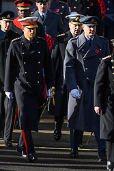 © Licensed to London News Pictures. 11/11/2018. London, UK. The Duke of Sussex and The Duke of Cambridge attends a Remembrance Day Ceremony at the Cenotaph war memorial in London, United Kingdom, on November 11, 2018.  Thousands of people honour the war dead by gathering at the iconic memorial to lay wreaths and observe two minutes silence and marks the 100th anniversary of Armistice Day. Photo credit: Ray Tang/LNP