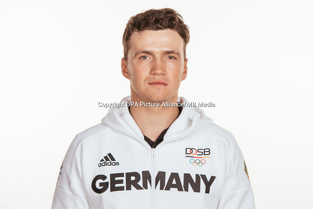 Paul Kohlhoff poses at a photocall during the preparations for the Olympic Games in Rio at the Emmich Cambrai Barracks in Hanover, Germany, taken on 20/07/16 | usage worldwide