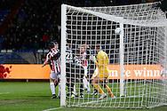 26-01-2016 VOETBAL:WILLEM II-FC GRONINGEN:TILBURG<br /> <br /> Dries Wuytens  van Willem II (niet in beeld) scoort de 1-0 achter Sergio Padt van FC Groningen  <br /> <br /> Foto: Geert van Erven