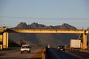 Igarape_MG, Brasil..Rodovia em Igarape...The motorway in Igarape...Foto: LEO DRUMOND / NITRO