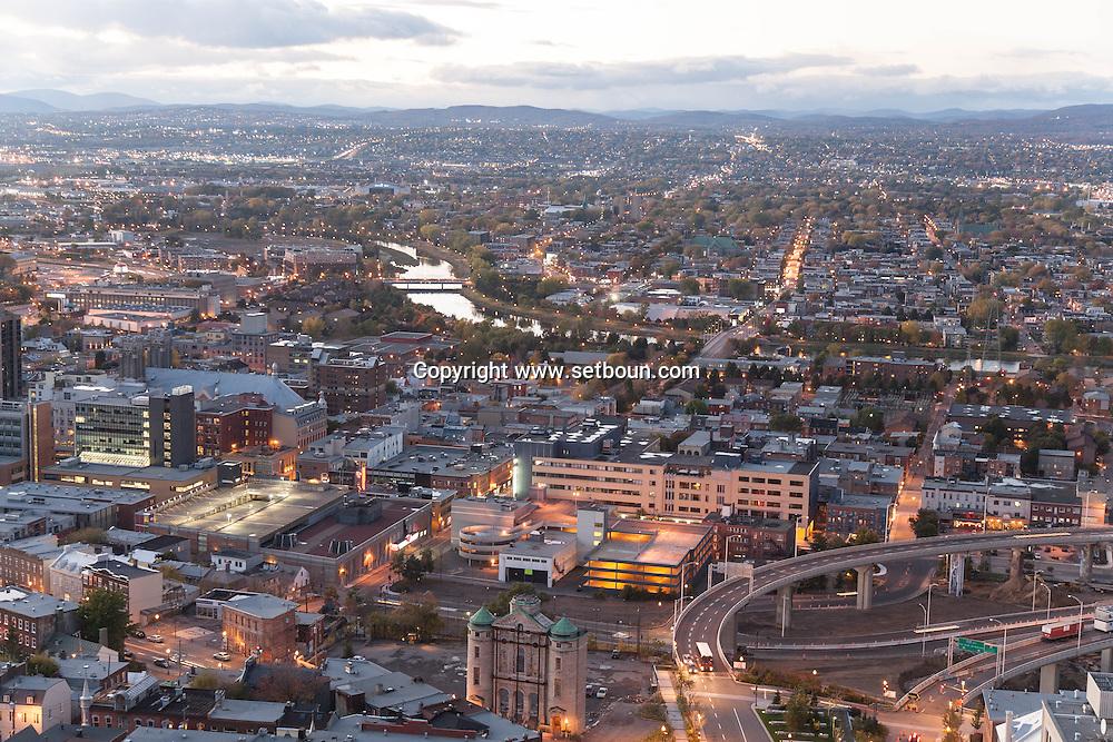 Canada. Quebec. general and aerial view of the city. the old city and the river   / vue generale et aerienne de la ville. la vielle ville et la riviere