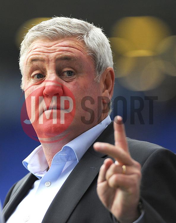 Aston Villa manager Steve Bruce -Mandatory by line: Nizaam Jones/JMP - 29/10/2017 - FOOTBALL - St Andrew's Stadium - Birmingham, England - Birmingham City v Aston Villa - Sky Bet Championship
