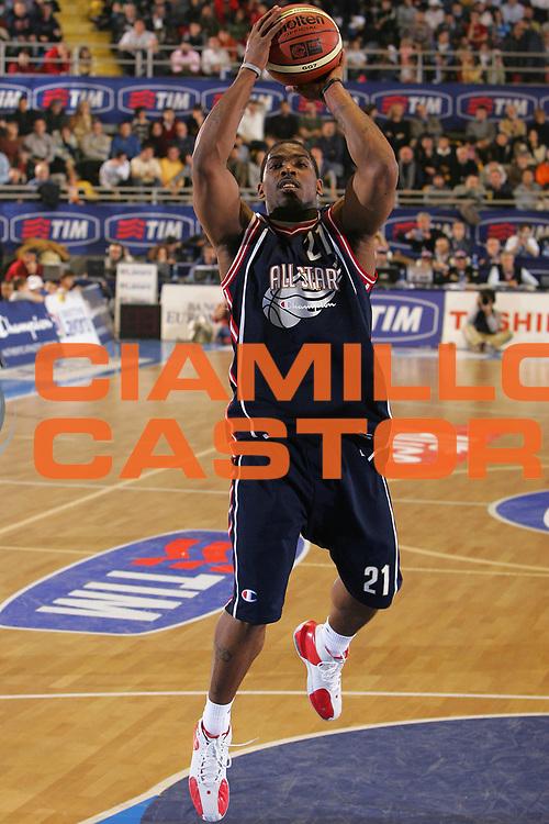 DESCRIZIONE : Torino Lega A1 2006-07 Tim All Star Game 2006 Italia Champion All Stars <br /> GIOCATORE : Mc Person <br /> SQUADRA : Champion All Stars <br /> EVENTO : Campionato Lega A1 2006-2007 <br /> GARA : Tim All Star Game 2006 Italia Champion All Stars <br /> DATA : 23/12/2006 <br /> CATEGORIA : Tiro <br /> SPORT : Pallacanestro <br /> AUTORE : Agenzia Ciamillo-Castoria/S.Silvestri