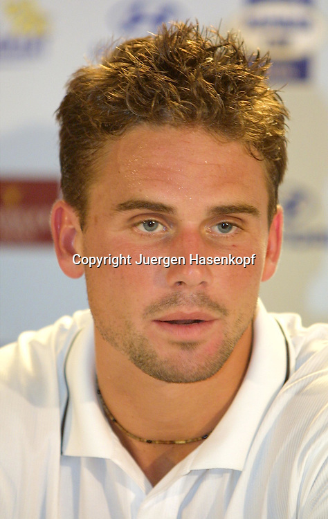 Sport,Tennis,Hopman Cup in Perth,Australien,Mixed<br /> Doubles WM, Jan Michael Gambill (USA) in Pressekonferenz, Portraet,portrait,<br />  04.01.2002<br /> Foto:Juergen Hasenkopf