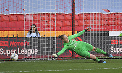 February 23, 2019 - Sheffield, England, United Kingdom - Manchester City score from the first penalty in the shoot out during the  FA Women's Continental League Cup Final  between Arsenal and Manchester City Women at the Bramall Lane Football Ground, Sheffield United FC Sheffield, Saturday 23rd February. (Credit Image: © Action Foto Sport/NurPhoto via ZUMA Press)