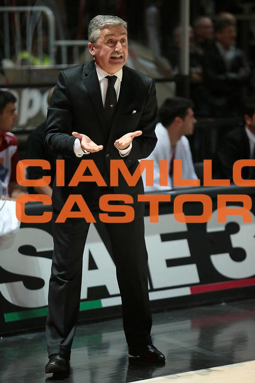DESCRIZIONE : Bologna Lega A 2012-13 SAIE3 Virtus Bologna Acea Roma<br /> GIOCATORE : coach Marco Calvani<br /> CATEGORIA : gesti<br /> SQUADRA : Acea Roma<br /> EVENTO : Campionato Lega A 2012-2013<br /> GARA : SAIE3 Virtus Bologna Acea Roma<br /> DATA : 25/11/2012<br /> SPORT : Pallacanestro <br /> AUTORE : Agenzia Ciamillo-Castoria/D.Vigni<br /> Galleria : Lega Basket A 2012-2013 <br /> Fotonotizia : Bologna Lega A 2012-13 SAIE3 Virtus Bologna Acea Roma<br /> Predefinita :