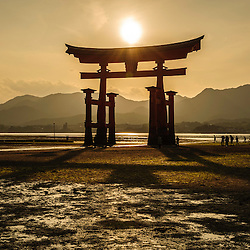View of the grand floating Torii, Itsukushima sanctuary, Miyajima, Japan, Asia