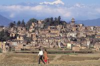 Nepal - Vallée de Kathmandu - Ville de Kirtipur - Couple - Montagnes Himalayas - Mont Gosaïkund