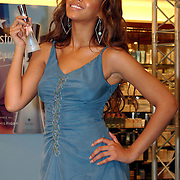 NLD/Rotterdam/20050524 - Promotie parfum Beyonce..Beyonce Giselle Knowles