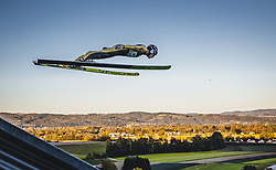 29.09.2018, Energie AG Skisprung Arena, Hinzenbach, AUT, FIS Ski Sprung, Sommer Grand Prix, Hinzenbach, im Bild Markus Schiffner (AUT) // Markus Schiffner of Austria during FIS Ski Jumping Summer Grand Prix at the Energie AG Skisprung Arena, Hinzenbach, Austria on 2018/09/29. EXPA Pictures © 2018, PhotoCredit: EXPA/ JFK