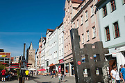Johannisstraße mit Johannistor, Jena, Thüringen, Deutschland   Johannis Street, Jena, Thuringia, Germany