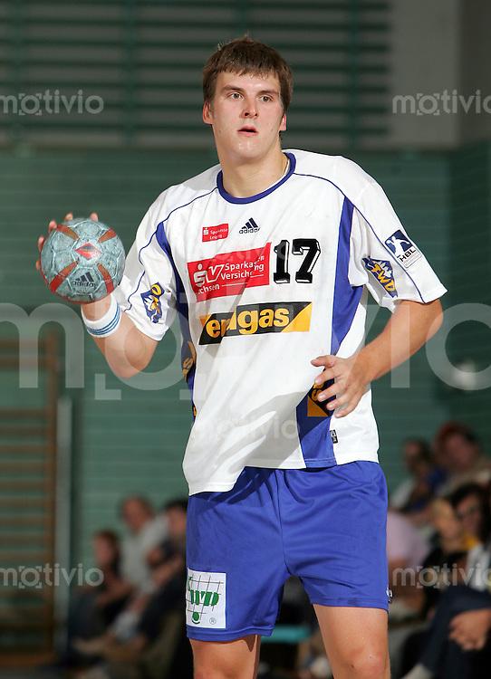 Handball Bundesliga 2005/2006 Vorbereitung Concordia Delitzsch - Stralsunder HV Rico GOEDE (Concordia) am Ball.