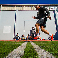 2/18/13 10:44:52 AM -- Bradenton, FL, U.S.A. -- NFL prospect and Notre Dame linebacker Manti Te'o works out at IMG Academy in Bradenton, Fla., in preparation for this year's NFL Combine.  -- ...Photo by Chip J Litherland, Freelance