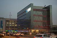 10 APR 2013, DOHA/QATAR<br /> Aussenansicht der Qatar National Bank, Doha<br /> IMAGE: 20130410-01-075<br /> KEYWORDS: Katar, Finanzen