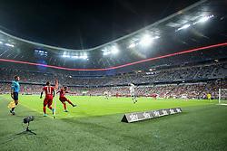 04.08.2015, Allianz Arena, Muenchen, GER, AUDI CUP, FC Bayern Muenchen vs AC Mailand, im Bild Douglas Costa (FC Bayern Muenchen #11) und Mario Goetze (FC Bayern Muenchen #19) bei einem Eckball // during the 2015 AUDI Cup Match between FC Bayern Muenchen and AC Mailand at the Allianz Arena in Muenchen, Germany on 2015/08/04. EXPA Pictures © 2015, PhotoCredit: EXPA/ Eibner-Pressefoto/ Schüler<br /> <br /> *****ATTENTION - OUT of GER*****
