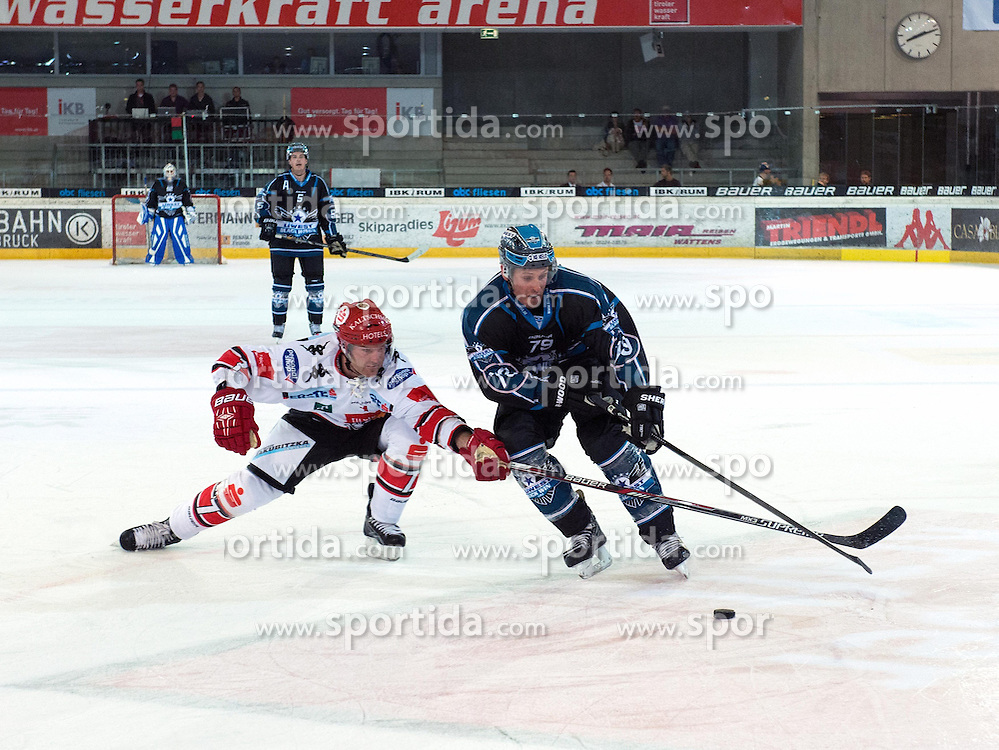 14.08.2014, TWK Arena, Innsbruck, AUT, EBEL Preseason, HC TWK Innsbruck vs EHC Black Wings Linz, Testspiel im Bild Dustin Van Ballegooie (HC TWK Innsbruck, #7) und Gregor Baumgartner (EHC Black Wings Linz , #79) // during the Erste Bank Icehockey League test match between HC TWK Innsbruck vs EHC Black Wings Linz at the TWK Arena, Innsbruck, Austria on 2014/08/14. EXPA Pictures © 2014, PhotoCredit: EXPA/ Reinhard Eisenbauer