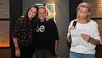 AMSTELVEEN -   Afscheid internationals in de Hockey Lounge. Naomi van As en Maartje Paumen met  KNHB bestuurder Mijntje Donners.  bij de Rabo EuroHockey Championships 2017.  COPYRIGHT KOEN SUYK