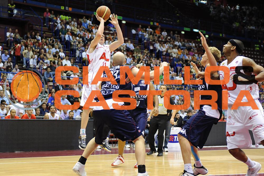DESCRIZIONE : Milano Lega A 2008-09 Playoff Semifinali Gara 1 Armani Jeans Milano Angelico Biella<br /> GIOCATORE : Jobey Thomas<br /> SQUADRA : Armani Jeans Milano <br /> EVENTO : Campionato Lega A 2008-2009 <br /> GARA : Armani Jeans Milano Angelico Biella<br /> DATA : 29/05/2009<br /> CATEGORIA : tiro<br /> SPORT : Pallacanestro <br /> AUTORE : Agenzia Ciamillo-Castoria/M.Marchi