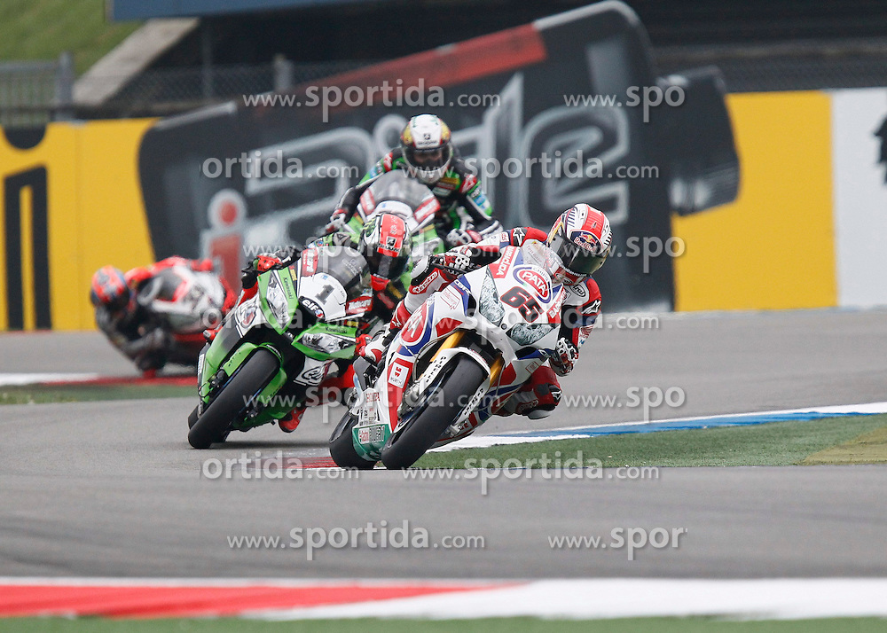 27.04.2014, TT Assen Circuit, Assen, NED, FIM, Superbike World Championship, Assen, Warm Up, Rennen, im Bild 65 Jonathan Rea vor 1 Tom Sykes // during the Warm up and Race of Round 3 - Assen FIM Superbike World Championship at the TT Assen Circuit in Assen, Netherlands on 2014/04/27. EXPA Pictures &copy; 2014, PhotoCredit: EXPA/ Eibner-Pressefoto/ Stiefel<br /> <br /> *****ATTENTION - OUT of GER*****