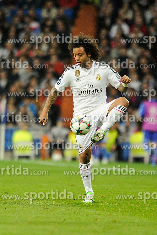 10.03.2015, Estadio Santiago Bernabeu, Madrid, ESP, UEFA CL, Real Madrid vs Schalke 04, Achtelfinal, R&uuml;ckspiel, im Bild Real Madrid&acute;s Marcelo Vieira // during the UEFA Champions League Round of 16, 2nd Leg match between Real Madrid and Schakke 04 at the Estadio Santiago Bernabeu in Madrid, Spain on 2015/03/10. EXPA Pictures &copy; 2015, PhotoCredit: EXPA/ Alterphotos/ Luis Fernandez<br /> <br /> *****ATTENTION - OUT of ESP, SUI*****