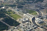16 JUL 2005, BERLIN/GERMANY:<br /> Berliner Regierungsviertel aus der Luft gesehen: Brandenburger Tor (unten links) mit einem Teil des Tiergartens, Buerogebaeude des Bundestages, Jakob-Kaiser-Haus (unten mitte), Marie-Elisabeth-Lueders-Haus (unten rechts), Paul-Loebe-Haus (Mitte), Reichstagsbegaeude (Mitte), Bundeskanzleramt (Mitte oben), Lehrter Bahnhof / Hauptbahnhof (oben rechts) und die Spree<br /> IMAGE: 20050716-02-019 <br /> KEYWORDS: Luftaufnahme, Band des Bundes, Uebersicht, Übersicht, Marie-Elisabeth-Lüders-Haus, Paul-Löbe-Haus