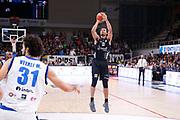 Shields Shavon<br /> Dolomiti Energia Trentino Trento vs Germani Basket Brescia<br /> Lega Basket Serie A 2017/2018<br /> Trento 14/10/2017<br /> Foto Ciamillo-Castoria/A.Gilardi