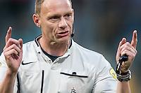 DEN HAAG - ADO Den Haag - Vitesse , Eredivisie , voetbal , Kyocera stadion , seizoen 2014/2015 , 24-04-2015 , scheidsrechter Ed Janssen keurt tot 2x toe een doelpunt af voor buitenspel