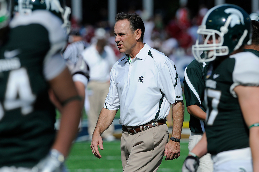 January 1, 2011: Michigan State Spartans vs Alabama Crimson Tide at the 2011 Capital One Bowl in Orlando, Florida.
