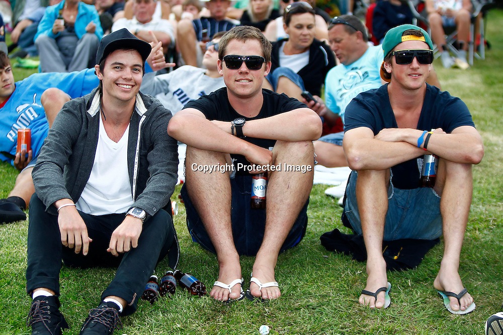 Spectators during the HRV Cup match between the Northern Knights v Otago Volts. Men's domestic Twenty20 cricket. Seddon Park, Hamilton, New Zealand. Thursday 19 January 2012. Ella Brockelsby / photosport.co.nz
