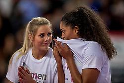 27-11-2016 ITA: Gorgonzola Igor Volley Novara - Nordmeccanica Modena, Novara<br /> Nova wint in drie sets van Modena / Laura Dijkema #14, Celeste Plak #4