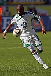 17.04.2010, Volkswagenarena, Wolfsburg, GER, FBL 09 10, VfL Wolfsburg vs Werder Bremen, im Bild Grafite (#23 VfL Wolfsburg). EXPA Pictures © 2010, PhotoCredit: EXPA/ nph/  Arend / SPORTIDA PHOTO AGENCY