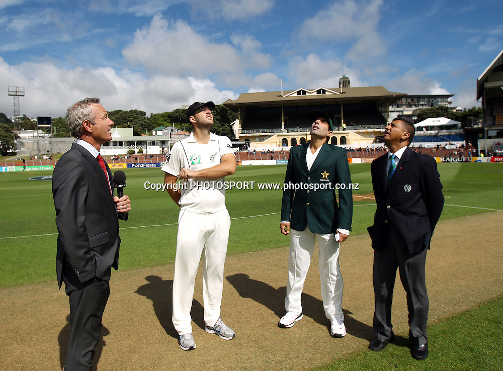 Captain's Daniel Vettori tosses the coin as Misbah-ul-Haq looks on with Sky's Mark Richardson and ICC match referee Roshan Mahanama. during play on Day 1 of the 2nd test match.  New Zealand Black Caps v Pakistan, Test Match Cricket. Basin Reserve, Wellington, New Zealand. Saturday 15 January 2011. Photo: Andrew Cornaga/photosport.co.nz