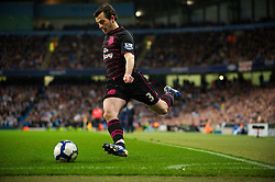 MANCHESTER, ENGLAND - Wednesday, March 24, 2010: Everton's Leighton Baines in action against Manchester City during the Premiership match at the City of Manchester Stadium. (Photo by David Rawcliffe/Propaganda)