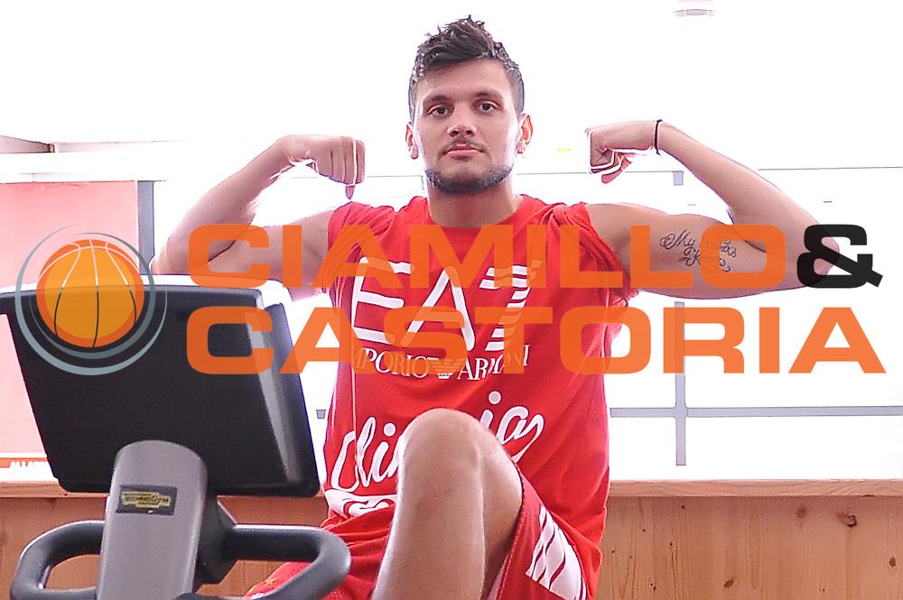 Alessandro Gentile <br /> EA7 Emporio Armani Olimpia Milano allenamento pesi<br /> Lega Basket Serie A 2016/2017<br /> Bormio 26/08/2016<br /> Foto Ciamillo-Castoria