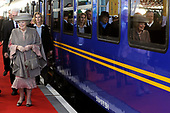 Koningin Beatrix opent nieuwe spoorlijn Hanzelijn