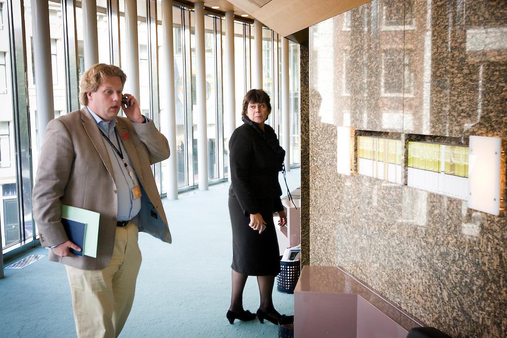 Nederland. Den Haag, 19 september 2007.<br /> Tweede dag algemene politieke beschouwingen in de tweede kamer.<br /> Rita verdonk in de wandelgangen van de plenaire zaal. Vorige week werd zij uit de vvd fractie gezet. Groep Verdonk.<br /> Foto Martijn Beekman <br /> NIET VOOR TROUW, AD, TELEGRAAF, NRC EN HET PAROOL
