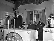 14/11/1955<br /> 11/14/1955<br /> 14 November 1955<br /> <br /> Presentation by Flake Oatmeal at Gas Co. Theatre dublin