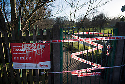 © Licensed to London News Pictures. 28/12/2017. London, UK. A police cordon at in Finsbury Park where the body of a young woman was found on Boxing Day. A member of the public found the body of the woman, thought to be in her 20s, near the sports area in the centre of the park. Photo credit: Ben Cawthra/LNP