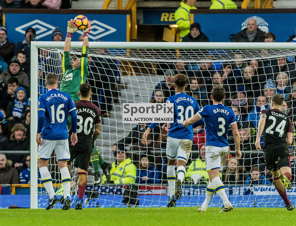 Everton goalkeeper Joel Robles (1) catches a high cross in the Premier League match between Everton and Manchester City<br /> <br /> (c) John Baguley | SportPix.org.uk