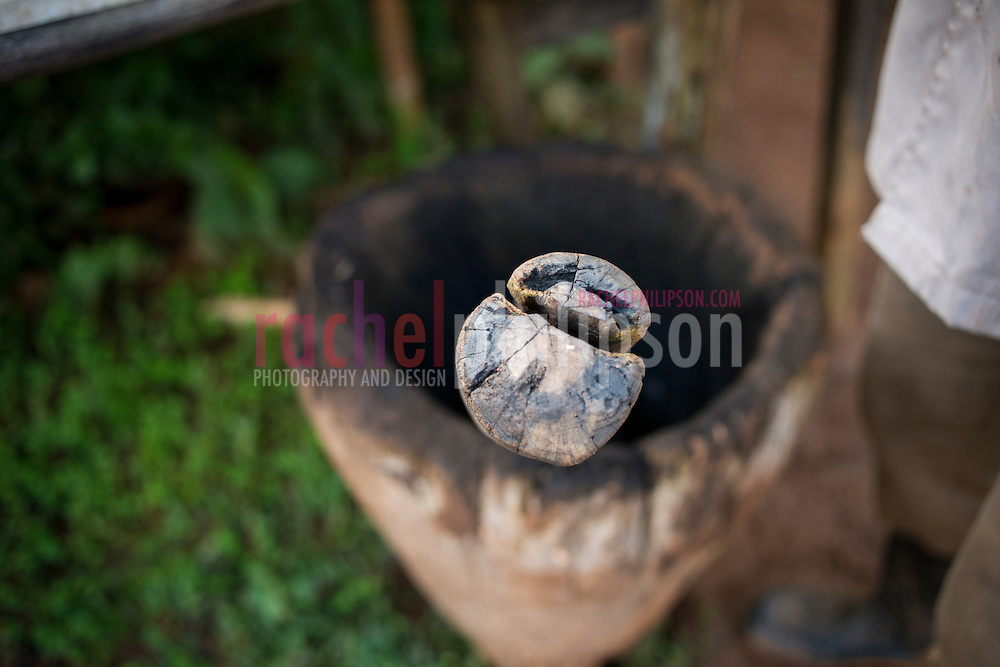 Cuba, Viñales, landscape, coffee farm, coffee beans grinding, mortar & pestle wooden
