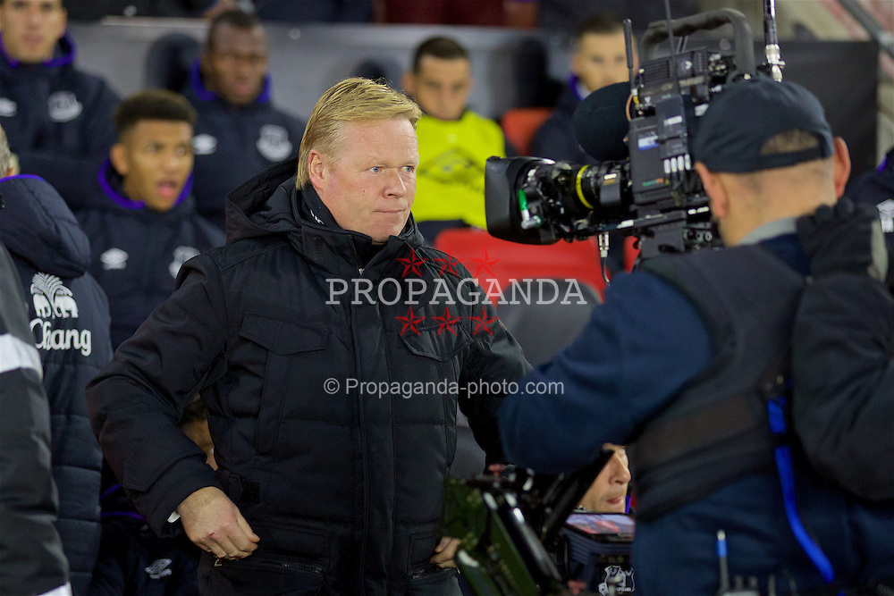 SOUTHAMPTON, ENGLAND - Saturday, November 19, 2016: Everton's manager Ronald Koeman before the FA Premier League match against Southampton at St. Mary's Stadium. (Pic by David Rawcliffe/Propaganda)