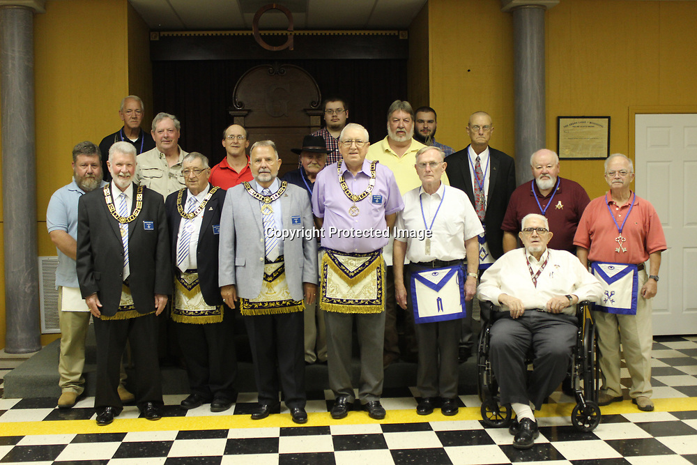 RAY VAN DUSEN/BUY AT PHOTOS.MONROECOUNTYJOURNAL.COM<br /> Members of the Aberdeen Masonic Lodge recently hosted Mississippi Grand Master Don Bryant for a meeting. Masonic Lodges in the county are open to new members in an attempt to make good men better men.